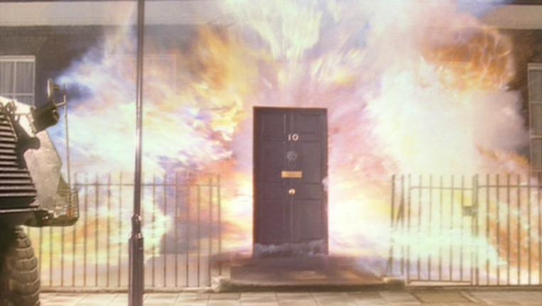 """Résultat de recherche d'images pour """"10 downing street on fire"""""""