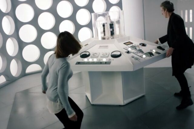 File:Inside the TARDIS (Hell Bent).jpg
