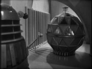 Dalek and Mechanoid outside cell The Chase-6