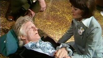 The Third Doctor Regenerates - Jon Pertwee to Tom Baker - Planet of the Spiders - Doctor Who - BBC