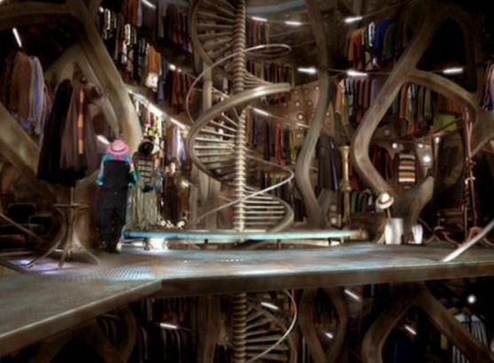 File:TARDIS wardrobe room.jpg