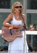 Taylor Swift at Yahoo crop