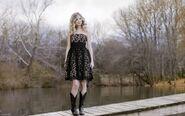 Taylor-Swift-In-Cute-Black-Dress-2560x1600-24339