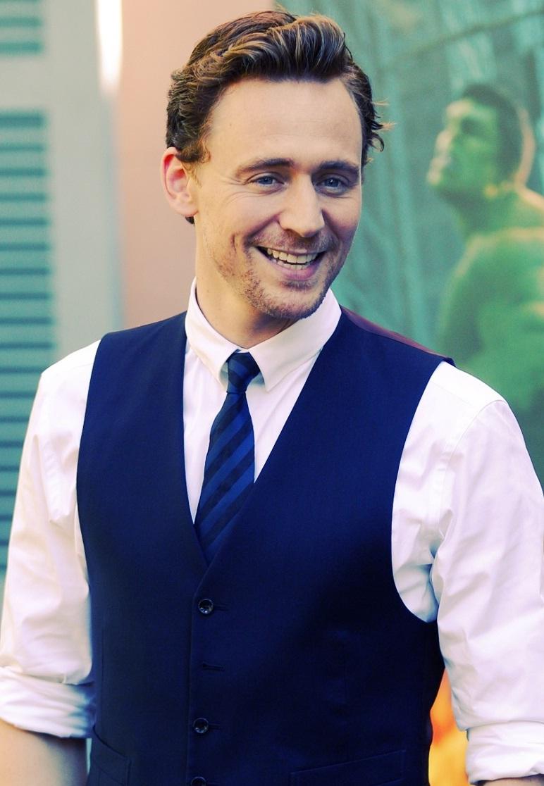 Watch Tom Hiddleston (born 1981) video