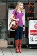 Taylor swift 74160 celebutopia taylor swift wearing boots while waiting outside jerry31s deli 09 122 527lo YJkwqya sized
