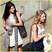 Selena-gomez-taylor-swift