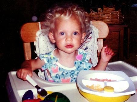 File:Baby Taylor eating.jpg