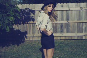 Taylor Swift - Red - Album photoshoot (2)