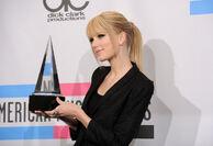 Taylor Swift - 2010 American Music Awards (99)