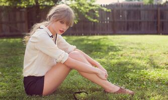 Taylor Swift - Red - Album photoshoot (5)