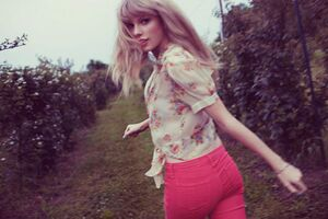 Taylor Swift - Red - Album photoshoot (38)