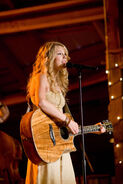 Taylor Swift in Hannah Montana The Movie - Still