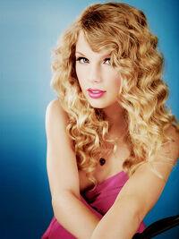 Taylor Swift - Speak Now - Album photoshoot (15)