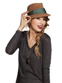Taylor Swift - Speak Now - Album photoshoot (26)