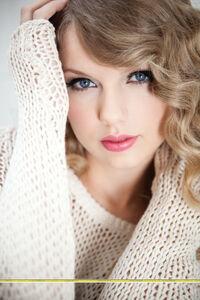 Taylor Swift - Speak Now - Album photoshoot (9)