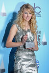 Taylor Swift - 2008 American Music Awards (70)