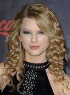 Taylor Swift - 2007 American Music Awards (24)