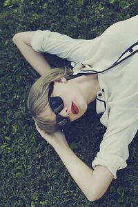 Taylor Swift - Red - Album photoshoot (6)