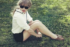 Taylor Swift - Red - Album photoshoot (4)