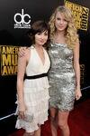 Taylor Swift - 2008 American Music Awards (25)