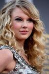 Taylor Swift - 2008 American Music Awards (15)