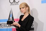 Taylor Swift - 2010 American Music Awards (86)