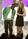 Taylor Swift - 2007 American Music Awards (12)