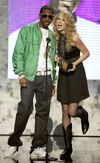 Taylor Swift - 2007 American Music Awards (11)