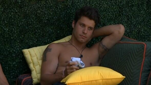 File:BB16-0702-Cody-backyard.jpg
