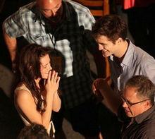 File:220px-Breaking Dawn cast members in Lapa Distrcit, Rio de Janeiro.jpg