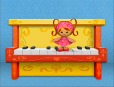 Milli and the piano