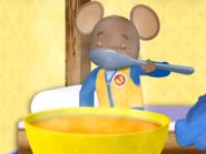 DoorMouse eats soup