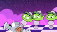 Cyborg-BeastBoy-Chess7-Crazy-Day