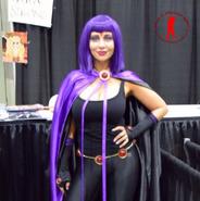 Tara Strong Raven cosplay3 Stan Lee Comic Con