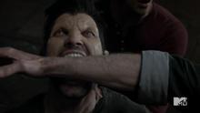2x12 Derek bites gerard
