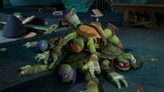 TMNT 2012 Michelangelo-12-