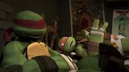 TMNT 2012 Raphael-13-