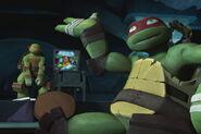 TMNT 2012 Raphael-9-