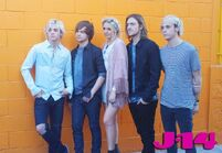 R5-behind-the-scenes-photoshoot-15