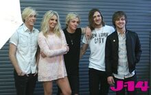 R5-behind-the-scenes-photoshoot-19