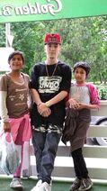 Angelo Terigan si copii adoptivi