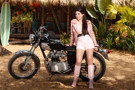 Lela Mortorcycle