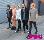 R5-behind-the-scenes-photoshoot-14