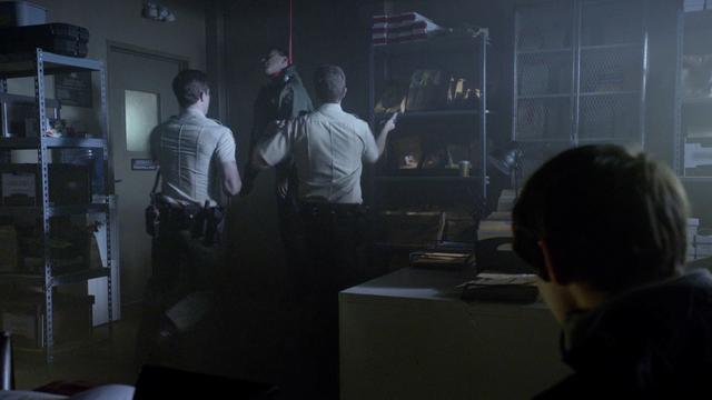 File:Dead-male-deputy-Teen-Wolf-Season-6-Episode-15-Pressure-Test.png