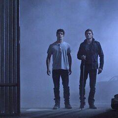 Scott et Deucalion avant le combat contre Derek et Jennifer Blake