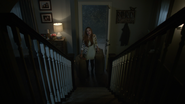 Holland-Roden-Lydia-arriving-Teen-Wolf-Season-6-Episode-11-Said-the-Spider-to-the-Fly