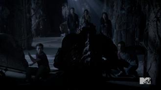Teen Wolf Season 4 Episode 12 Smoke & Mirrors Scott regaining control