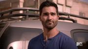 640px-Teen Wolf Season 4 Episode 12 Smoke & Mirrors Derek silent communication with Scott
