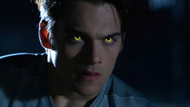 Dylan-Sprayberry-Liam-gold-Beta-eyes-Teen-Wolf-Season-6-Episode-2-Superposition