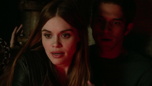 Holland-Roden-Tyler-Posey-Lydia-Scott-Teen-Wolf-Season-6-Episode-14-Face-to-Faceless